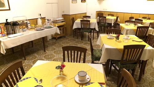 Sala-da-pranzo5